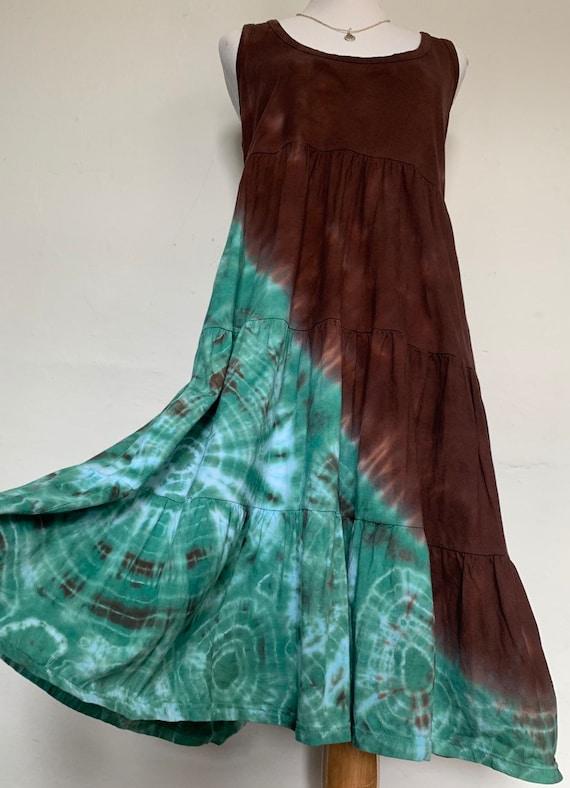 5121e91064f9 Women s Medium Chocolate   Sea Green Peaceful Tie Dye
