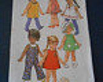 "Simplicity 8561, 16"" Doll Clothes"