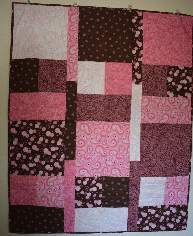 Pink and Brown Toddler Quilt image 0