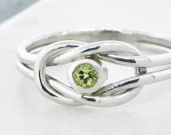 August Birthstone Ring, Green Gemstone Ring, Peridot Ring, Infinity Knot Ring, Peridot Gemstone Jewelry, Birthstone Jewelry, Promise Ring