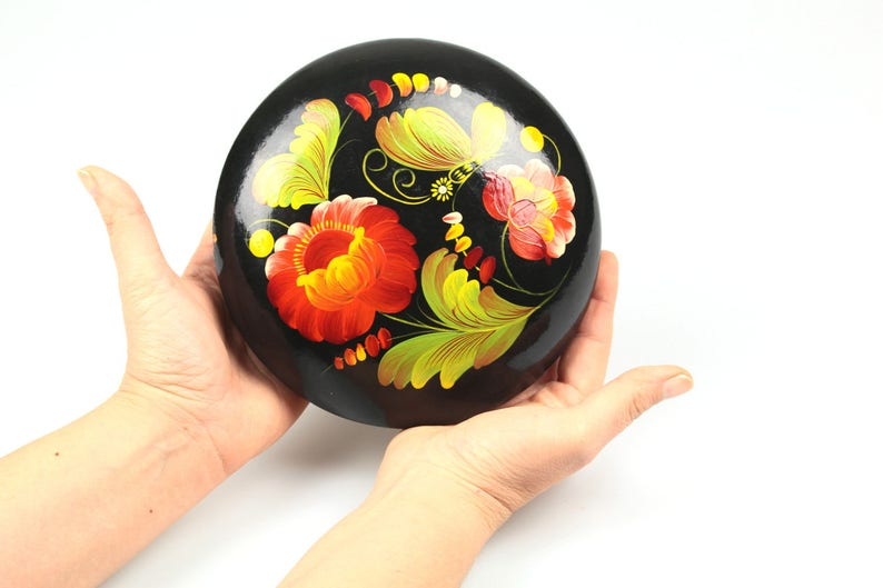 Folk art Floral Jewelry Box Russian Box Rustic style Wood Handmade Lacquer Box Black 70s Vintage Round Hand painted ornament Treasury Box
