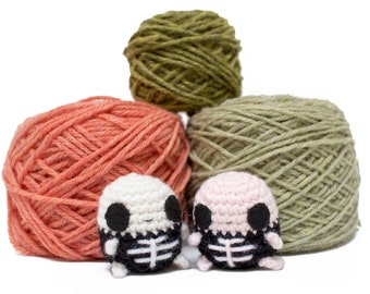 skeleton crochet pattern - Halloween skeleton easy amigurumi pattern