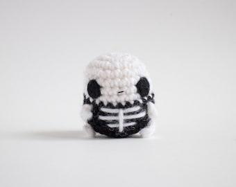 crochet skeleton amigurumi - creepy cute plush toy