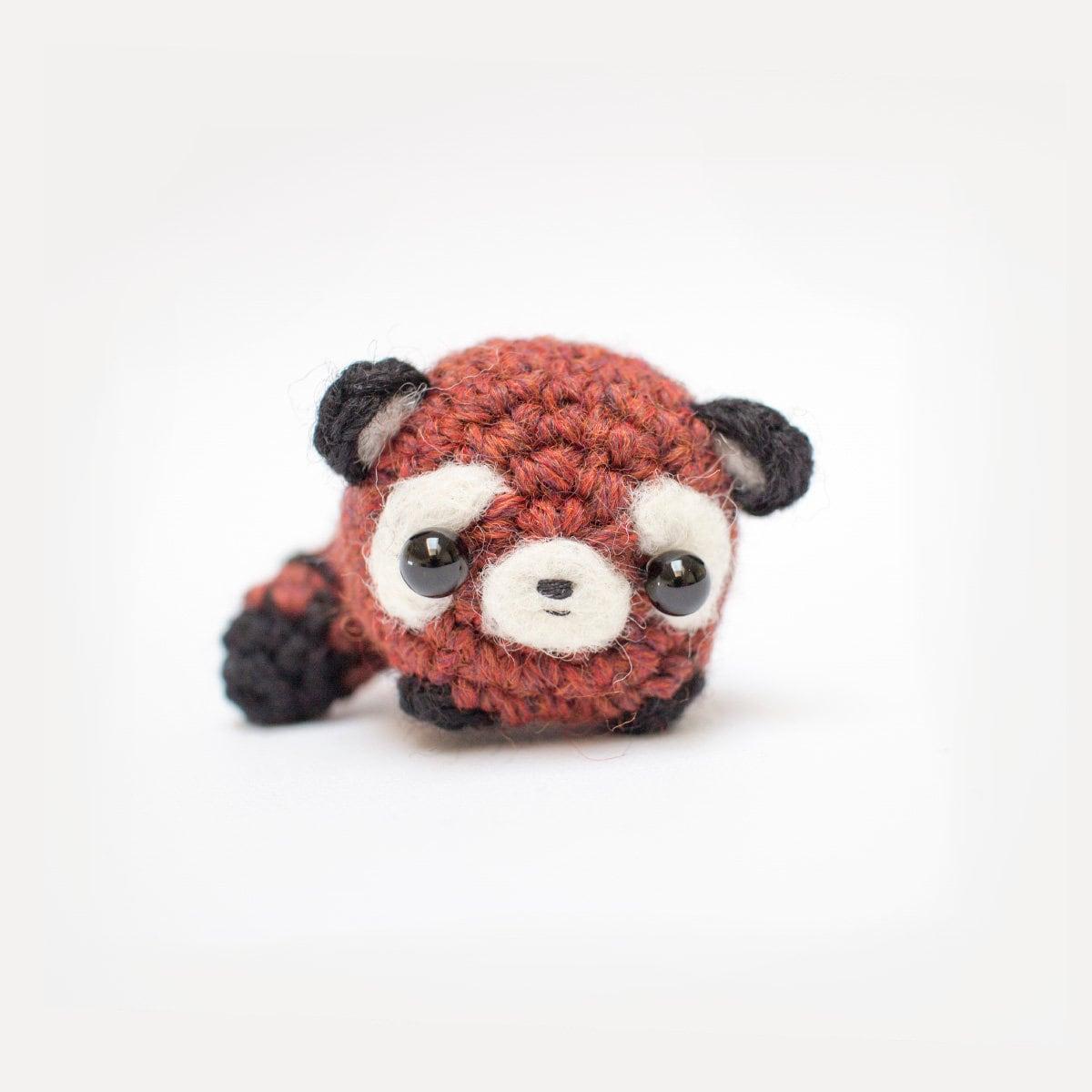 Crochet Pattern: Gift Pocket Red Panda | Underground Crafter | 1200x1200