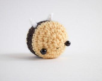 amigurumi bee plush - kawaii crochet bumble bee