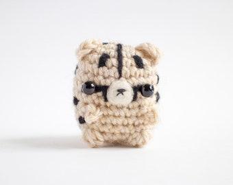 crochet cheetah plush toy -  mini amigurumi cheetah