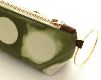 Tie Dye Green Clutch - Contemporary Wristlet Clutch - Moss