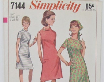 A Line Dress With Collar Or Collarless Slightly Lowered Round Neckline Back Zipper Plus Size 16 Sewing Pattern Jiffy Simplicity 7144