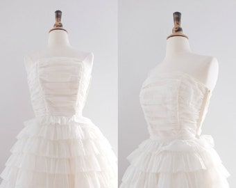 Vintage 1950s Strapless Ruffled Tiered Wedding Dress // 50s Tea-Length Gown with Caplette