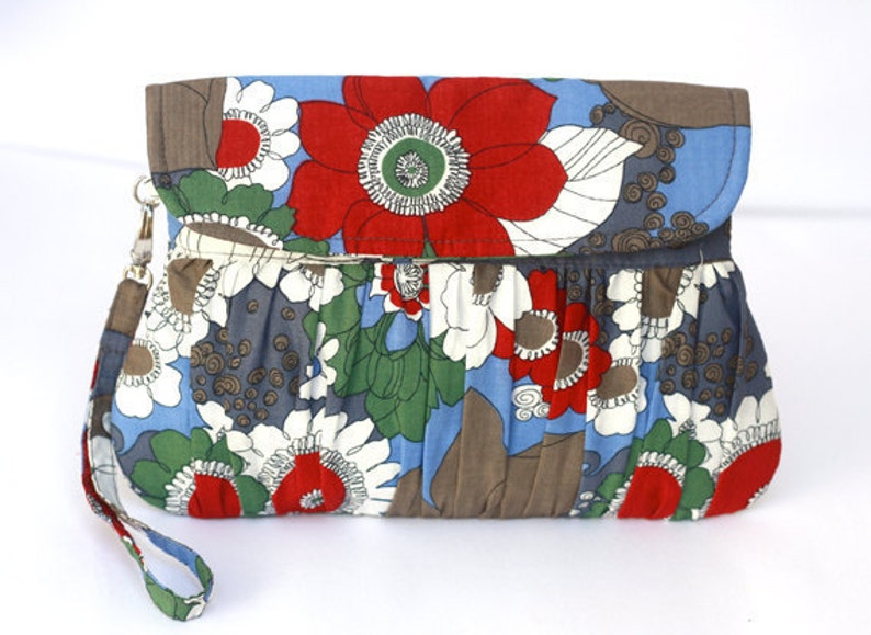 Bridesmaid clutch bridal clutch bridesmaid gift floral red image 0