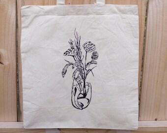 Possum Skull Dried Flowers Tote Bag - Reusable Cotton - Animal Skull - Desert bohemian Appalachian - screenprinted bag - woodland witchy