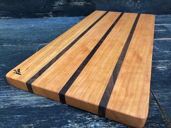 Cutting Board made from walnut and cherry woods