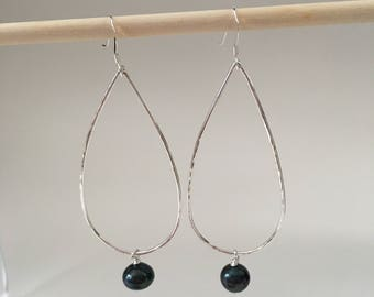 Sterling Silver <> Black Pearl <> Silver Teardrop Hoops