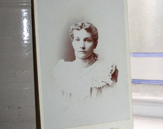 Vintage Cabinet Card Photograph Beautiful Victorian Woman