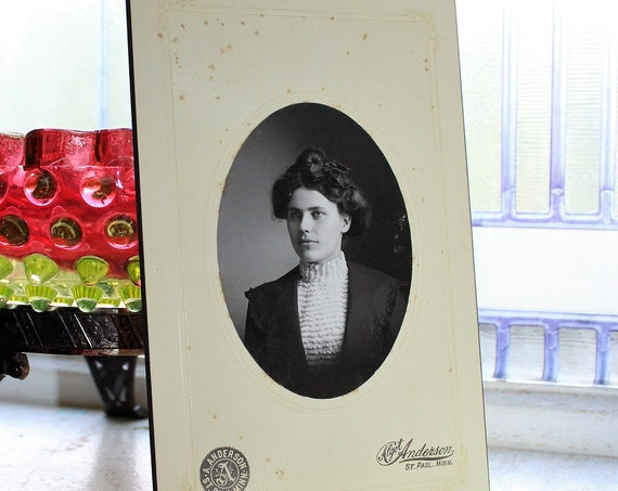Beautiful Victorian Woman Cabinet Card Photograph Antique 1800s