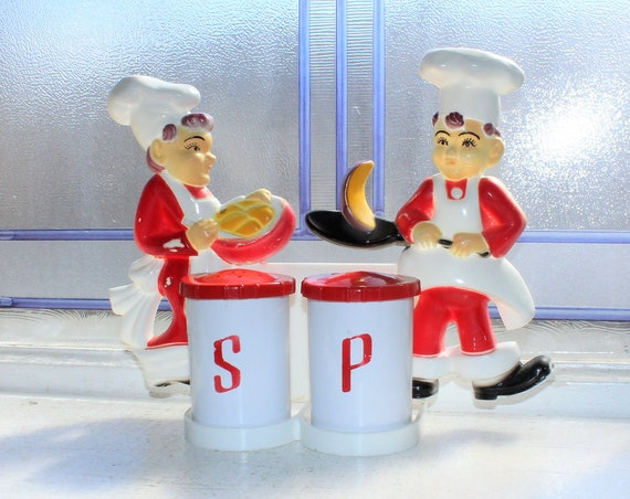 Vintage Chef Salt and Pepper Shakers Wall Rack Tremax Industries 1950s