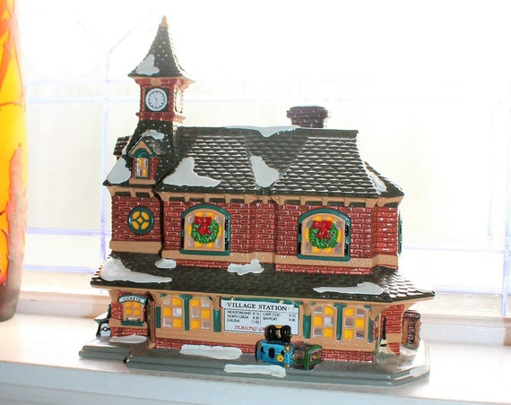 Dept 56 Snow Village 1992 Village Station with Box 5438-0