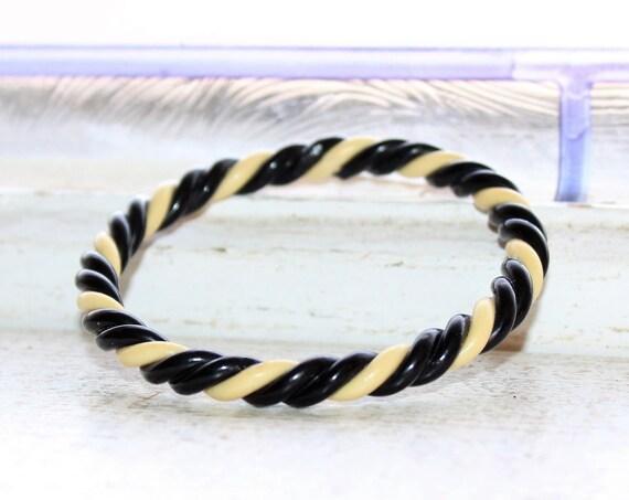 Vintage 1930s Bakelite Bangle Bracelet Black and White Twist