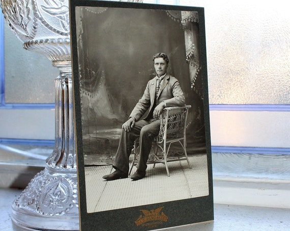 Antique Photograph Victorian Man In Fancy Chair 1800s Cabinet Card