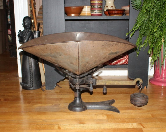 """Antique General Store Beam Scale with Large 26"""" Pan Mercantile Scale"""