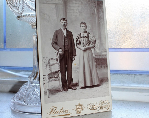 Victorian Man and Woman Cabinet Card Photograph Antique 1800s