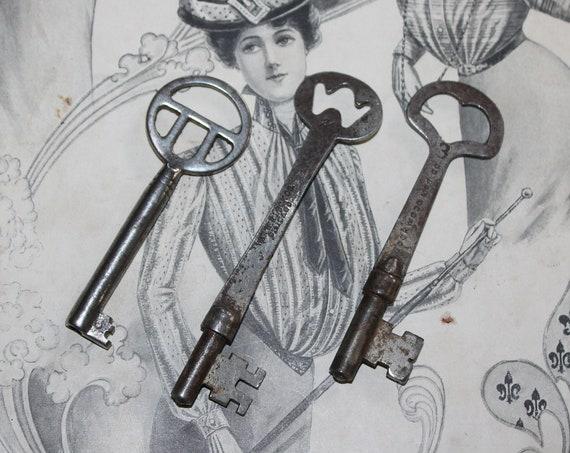 3 Antique Skeleton Keys