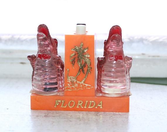 Vintage Alligator Salt and Pepper Shakers Push Button Florida Souvenir