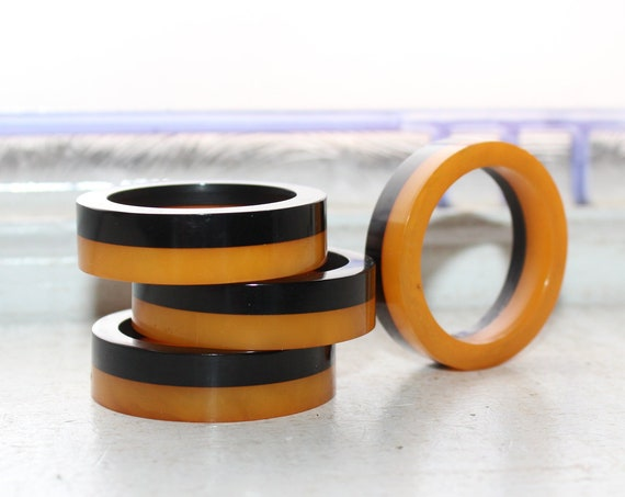 4 Vintage Art Deco Bakelite Napkin Rings Brown and Butterscotch 1920s