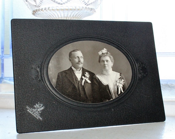 Antique Photograph Victorian Bride and Groom 1800s Cabinet Card