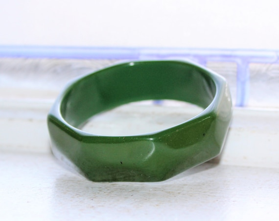 Vintage 1930s Green Faceted Bakelite Bangle Chunky Bracelet