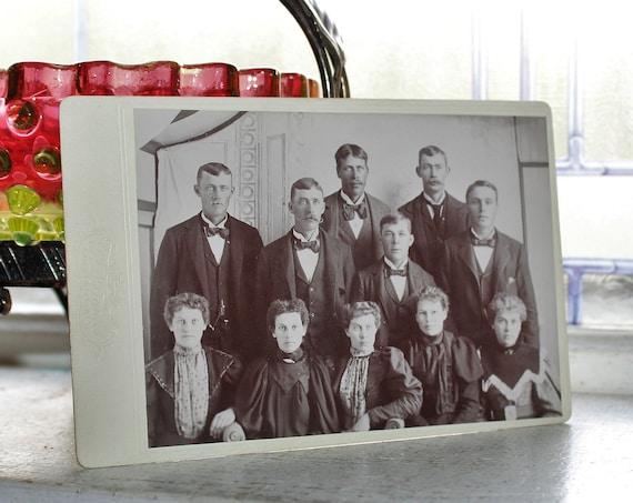 Antique Cabinet Card Victorian Family Portrait 1800s Photograph