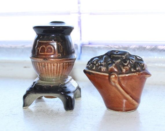 Vintage Salt and Pepper Shakers Stove and Coal Bucket
