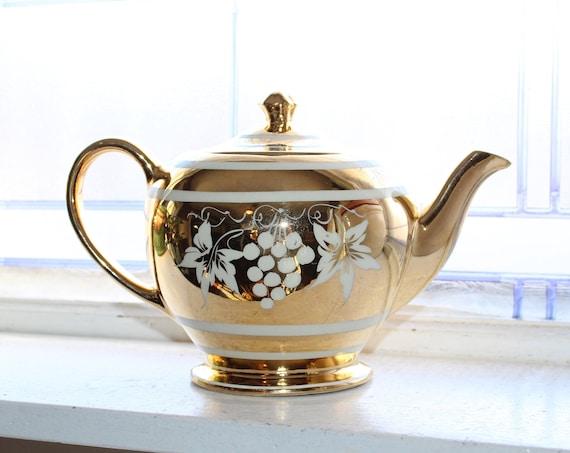 Vintage Sadler Teapot English White Grapes on Gold Circa 1950s