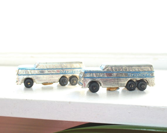 Vintage Greyhound Bus Salt and Pepper Shakers