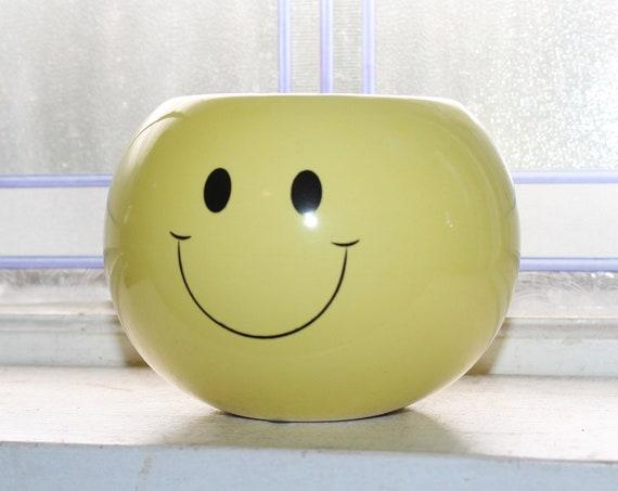 Vintage 70s Smiley Face Planter
