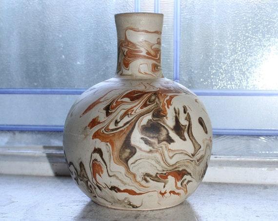Vintage Roque Maqueda Swirl Pottery Vase Paraguay