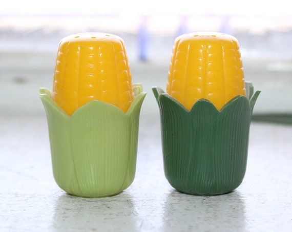 Vintage Salt and Pepper Shakers Corn