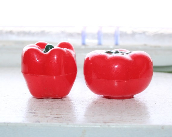 Vintage Salt and Pepper Shakers Red Pepper and Tomato