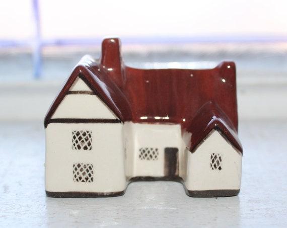 Suffolk Cottages Mudlen End Studio Figurine #21 Willy Lots Cottage