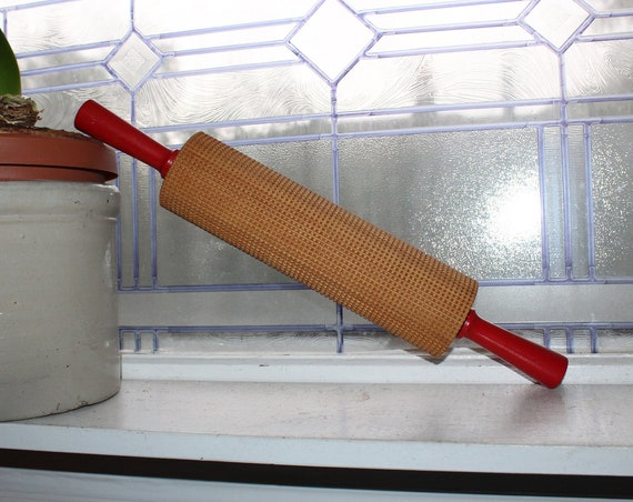 Vintage Flat Bread Wood Rolling Pin Red Handles