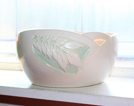 "Roseville Pottery Silhouette Bowl 727-8"" Vintage 1940s"