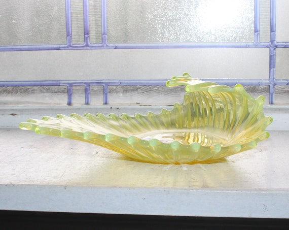 Fostoria Heirloom Yellow Opalescent Glass Candy Dish Vintage 1960s