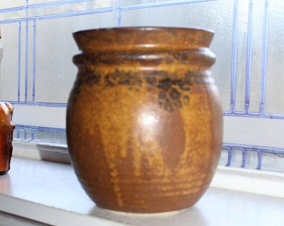 Vintage McCoy Pottery Planter 3106 Drip Glaze Lancaster Colony