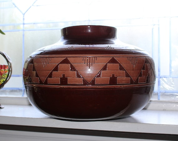 "Very Large Vintage Sioux Pottery Vase Signed W W 11 1/2"" Wide"