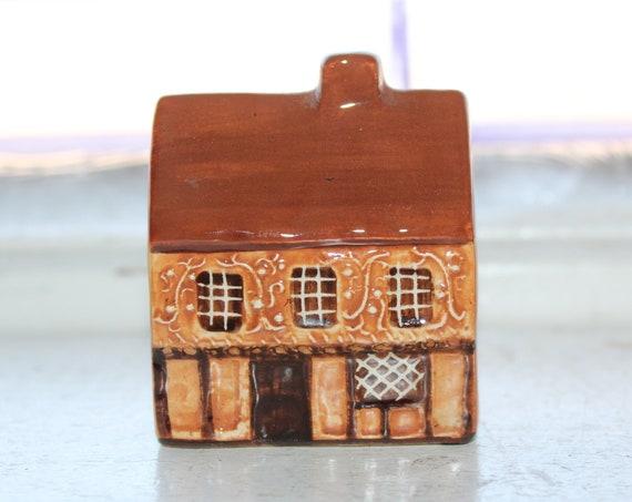 Suffolk Cottages Mudlen End Studio Figurine #16 Decorated Cottage