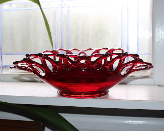 Vintage Westmoreland Glass Red Doric Open Lace Edge Bowl