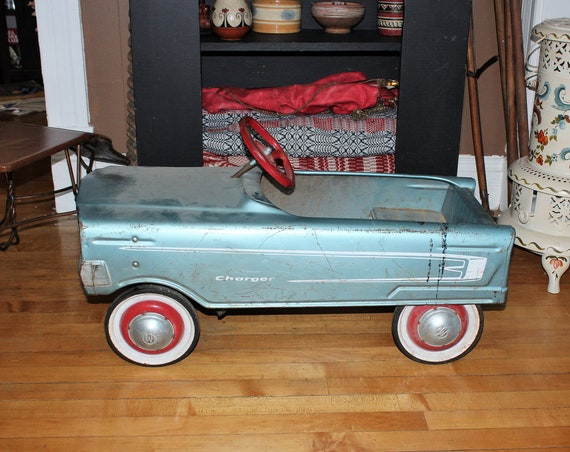 "Vintage 1960s 32"" Murray Charger Pedal Car Ride On Toy"