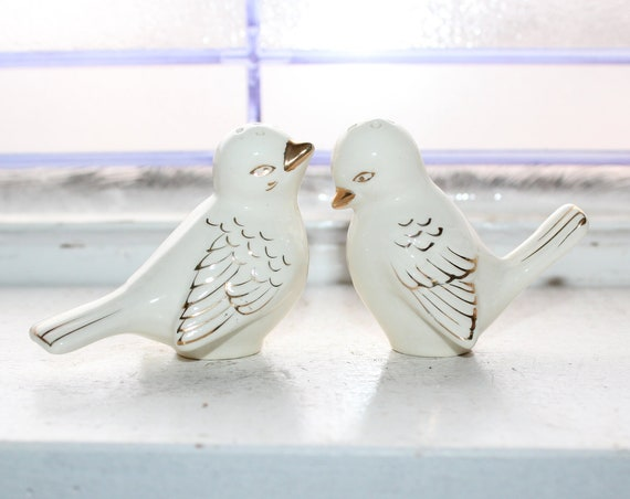 Vintage Love Birds Salt and Pepper Shakers 1960s Kitsch