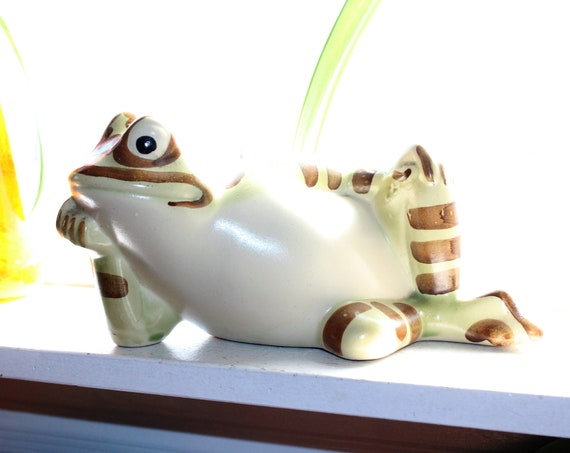 Large Vintage Brush McCoy Pottery Reclining Frog Toad Planter