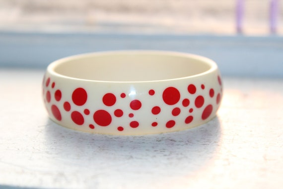 Chunky White Lucite Bangle Bracelet with Red Polka Dots Vintage 60s